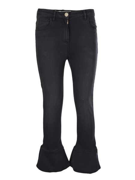 Shop ELISABETTA FRANCHI Saldi Jeans: Elisabetta Franchi jeans in denim nero. Vita regular. Chiusura frontale con zip e bottone in metallo. Placca oro light con logo. Taglio svasato. Vestibilità aderente. Composizione: 65%Cotone 16%Poliestere 16%Viscosa 03%Elastane.. PJ07S81E2-110
